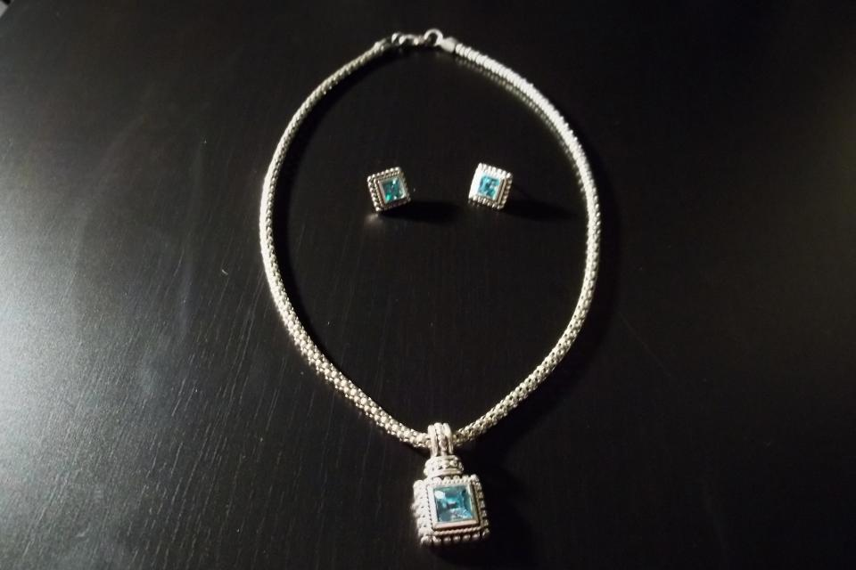 Neclace and Earring set light blue costume jewelry pendant  Large Photo