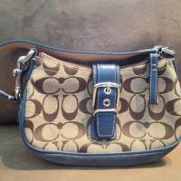 Coach Authentic tan and blue purse Photo