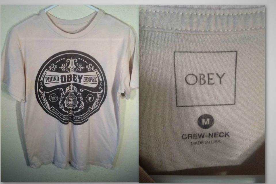 *NICE* MENS OBEY TSHIRT MEDIUM Large Photo