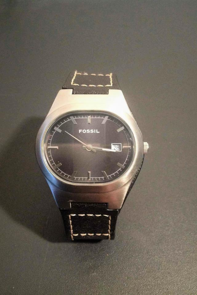 MENS FOSSIL BLACK LEATHER WATCH  Photo