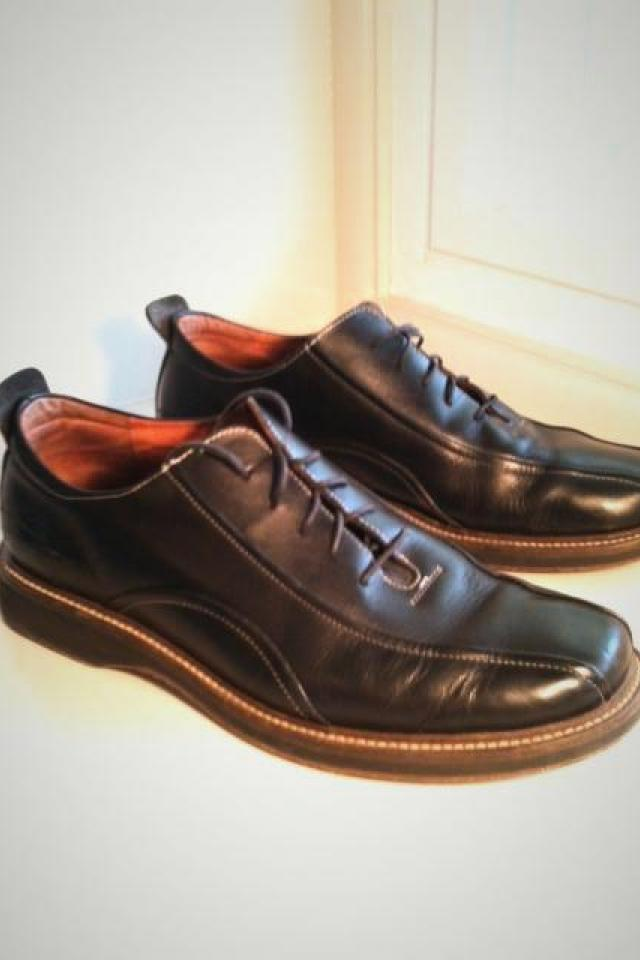 Men's dress shoes, black leather. Large Photo