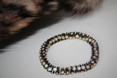 STELLA & DOT VINTAGE TWIST BRACELET GOLD Photo