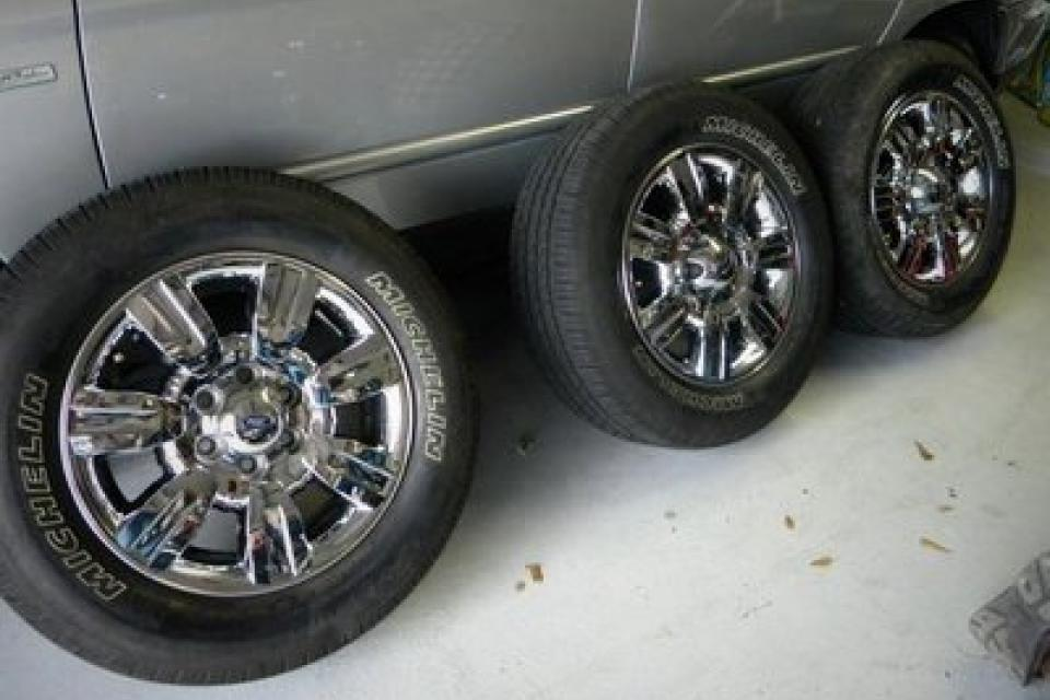 Ford F-150 Factory Tires/Rims  Large Photo
