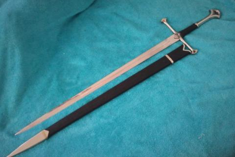 LOTR Sword of King Elessar w/ Glamdring Scabbard Photo