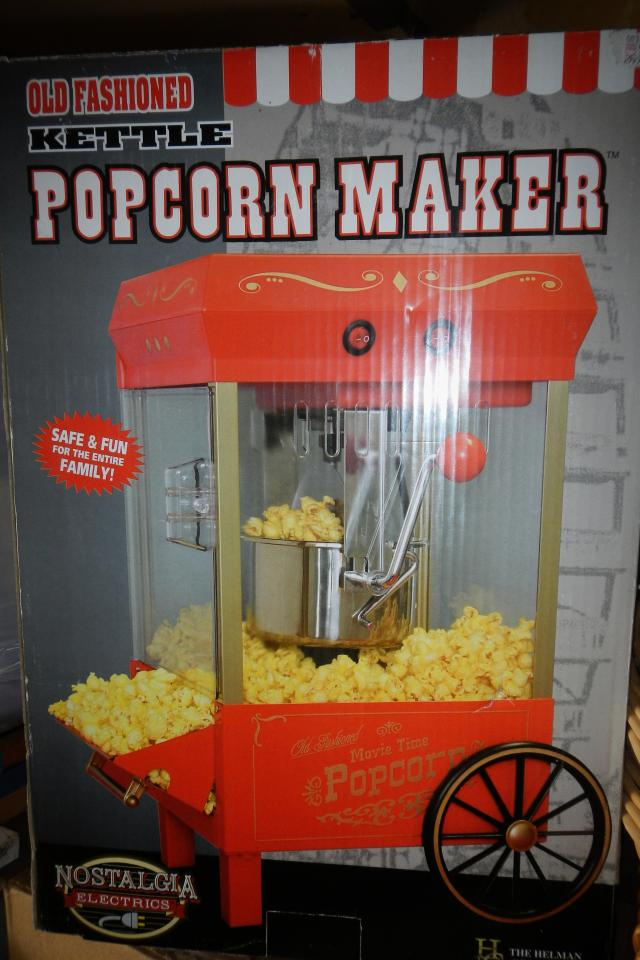 POPCORN MAKER Large Photo