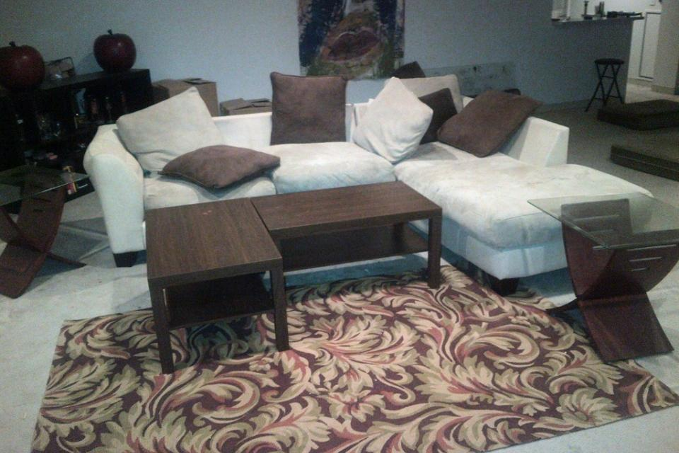 Sectional Sofa NEED TO SELL! Lar