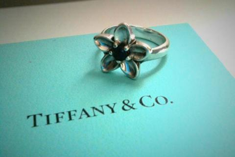 Tiffany & Co Flower Ring with Iolite Photo
