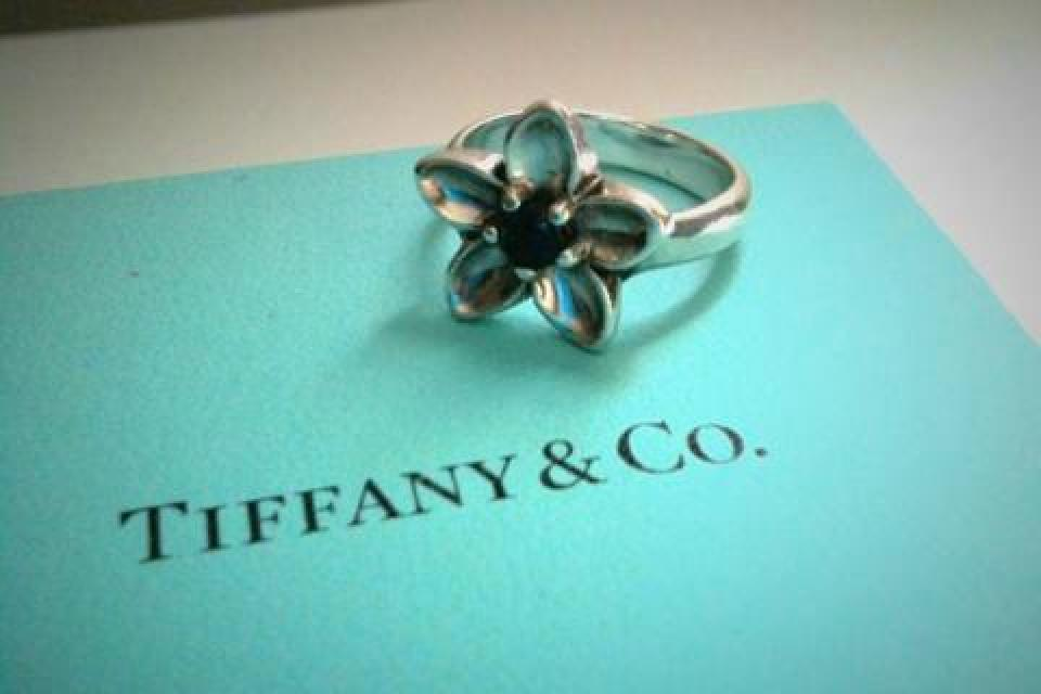 Tiffany & Co Flower Ring with Iolite Large Photo