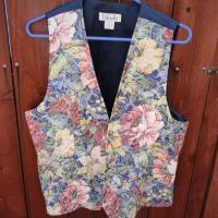 """tapestry"" vest Photo"