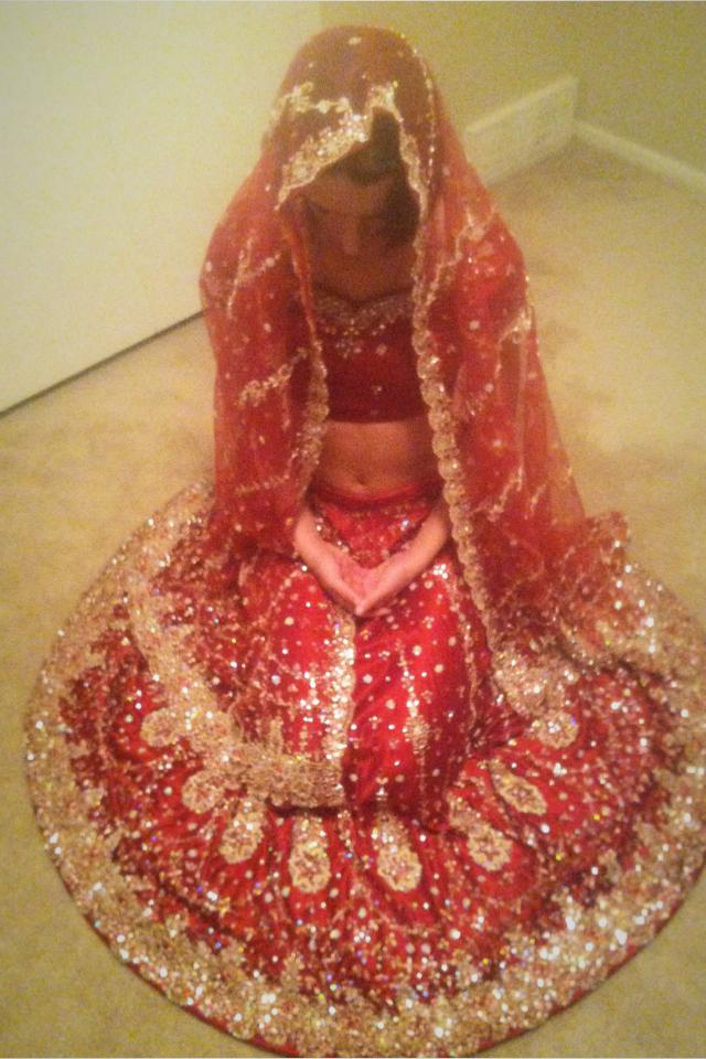 Red lengha choli / belly dance Photo