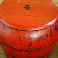 Chinese red storage vessel Photo