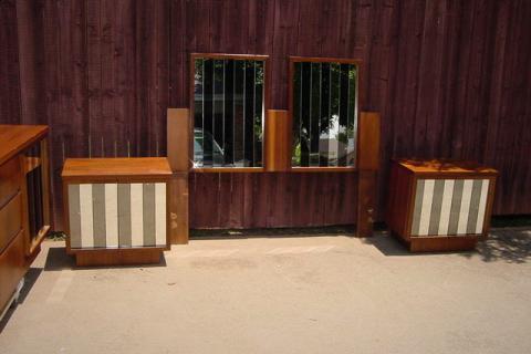 BEDROOM SET HOLLYWOOD REGENCY  MIDCENTURY MODERN GLASS Photo