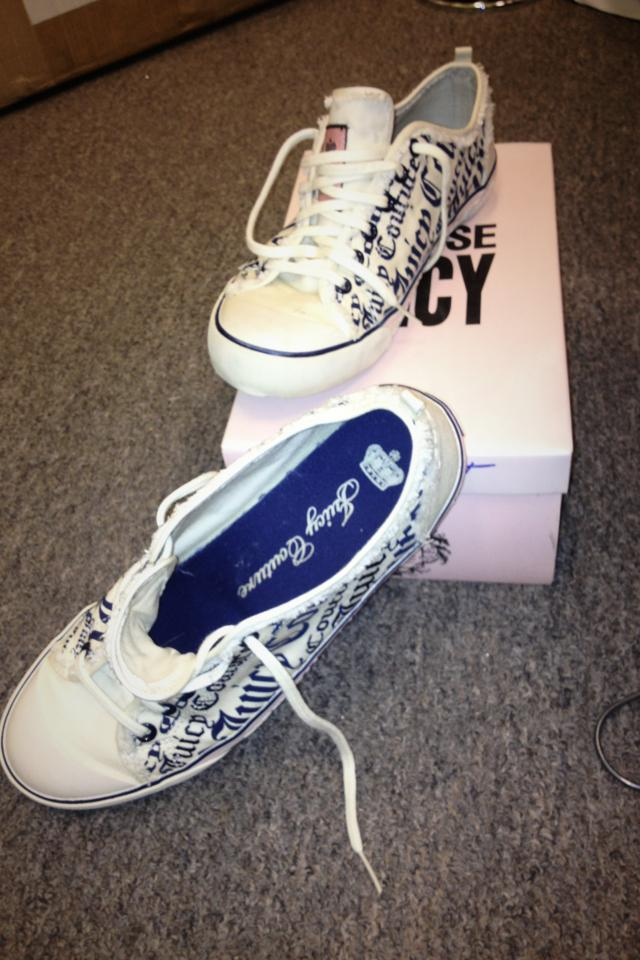 Juicy couture sneakers Photo