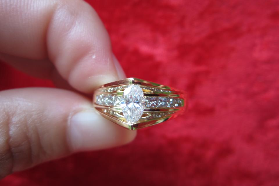 ZALES ENGAGEMENT RING SOLID 14KT SOLID YELLOW GOLD STYLE CATHEDRAL Large Photo