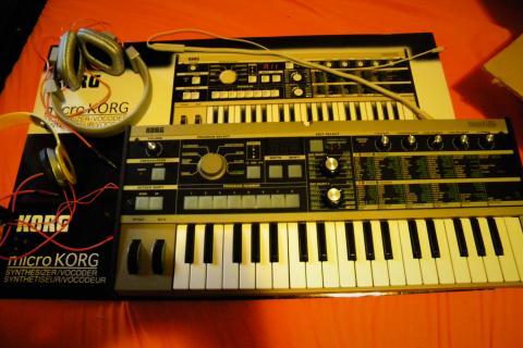 Korg Microkorg with Beats Photo