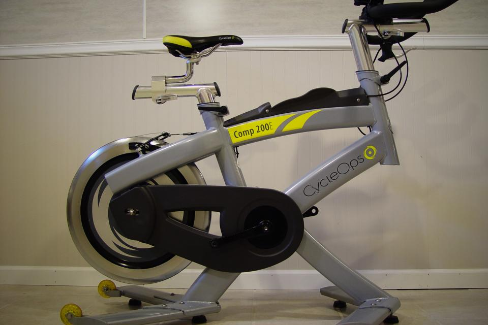 CycleOps Comp 200E Indoor Training Bike / Like New - $899 (OBO) (New Baltimore)   Large Photo