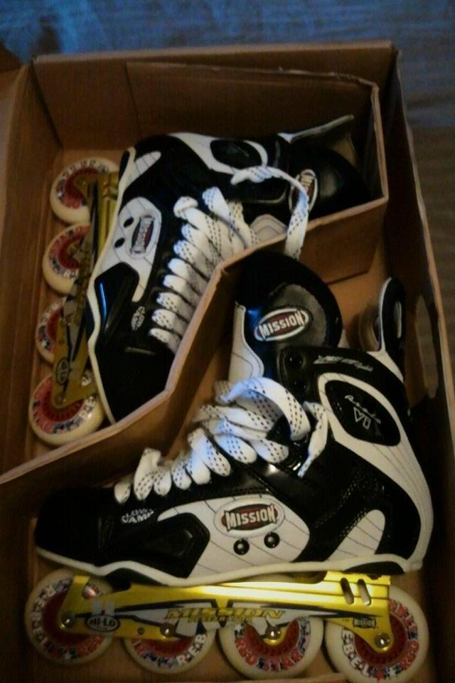 Mission Roller Hockey Skates - Size 11 D Photo