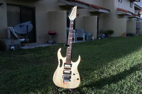 ibanez custom made jem style Photo