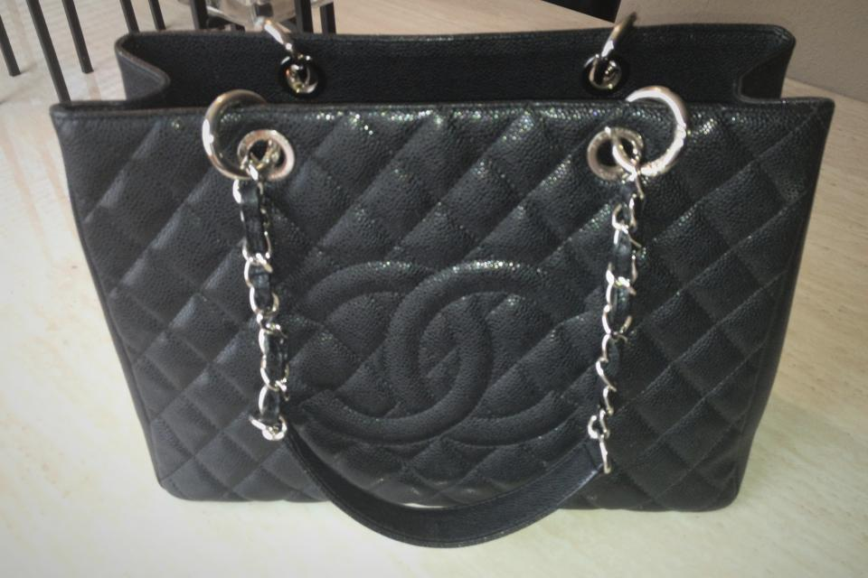 Chanel purse Large Photo