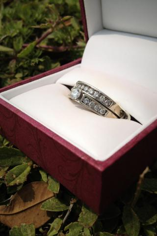 Helzberg Diamonds Wedding Set - $800  Photo