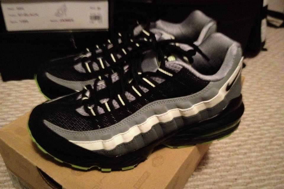 Air Max 95 Halloween size 6y Large Photo