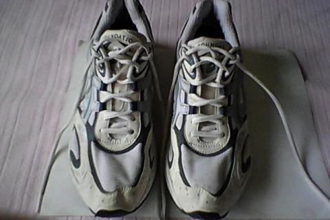 DuoMax (Gel Foundation), Cross Trainer & Running Shoe, Sports Wear, Athletic Apparel Photo