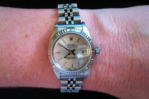 2001 Womens Rolex Oyster Perpetual Datejust Watch Photo