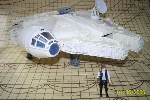 Vintage Star Wars Millenium Falcon w/ Han Solo (1977) Photo