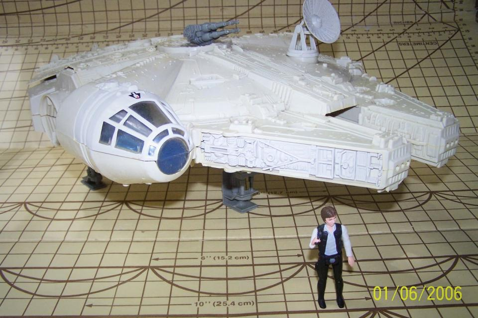Vintage Star Wars Millenium Falcon w/ Han Solo (1977) Large Photo