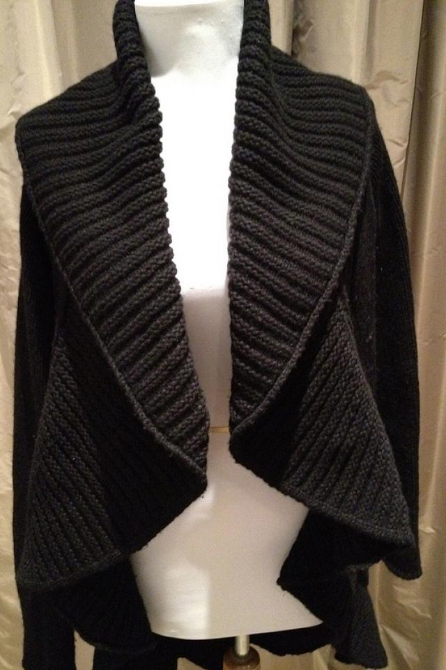 Black Rani Arabella Cashmere Sweater Large Photo