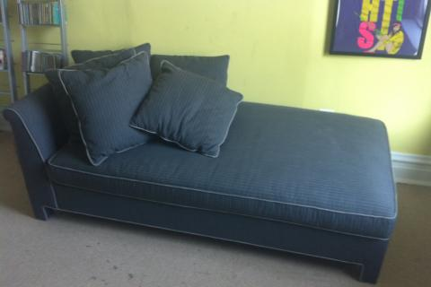 Day Bed with Pull out bed Photo