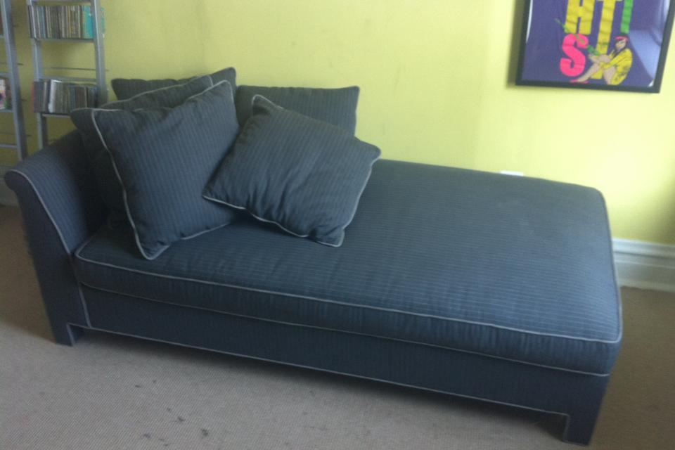 Day Bed with Pull out bed Large Photo