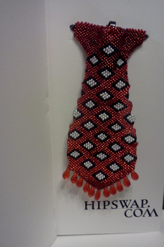 Dimand Hand beaded tie Photo