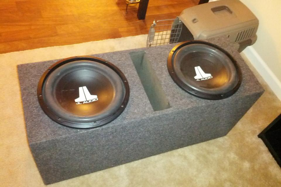 2 JL Audio 12 inch Subs w/ Ported Box Large Photo