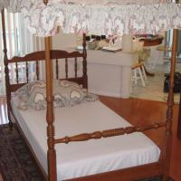 Ethan Allen Twin Canopy Bed  Photo