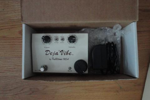 FULLTONE MINI DEJA VIBE MDV CHORUS/VIBRATO EFFECTS PEDAL Photo
