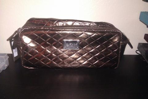 Kenneth Cole Travel Bag  Photo