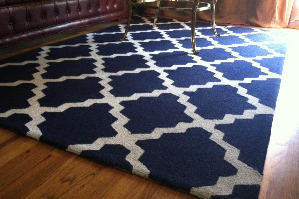Moroccon Style Rug Blue/White 5 x 8 ft Large Photo