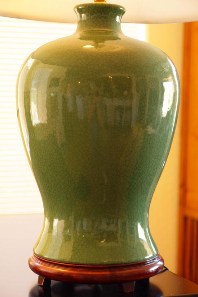 Green Chinese lamp - a beauty! Photo