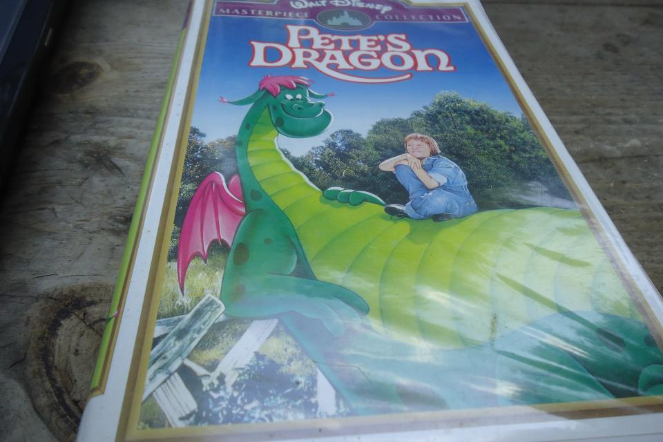 Disney's Pete's Dragon (VHS) MasterPiece Edition! Large Photo