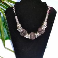 Elegant Silver and Pewter Fashion Necklace Photo
