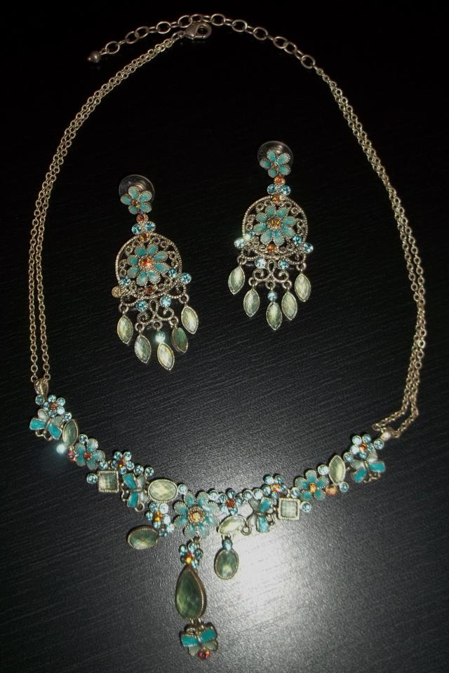 NECKLACE AND EARRING SET WOMAN'S COSTUME JEWELRY Photo