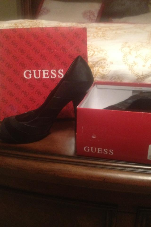 Guess black heels/pumps Photo
