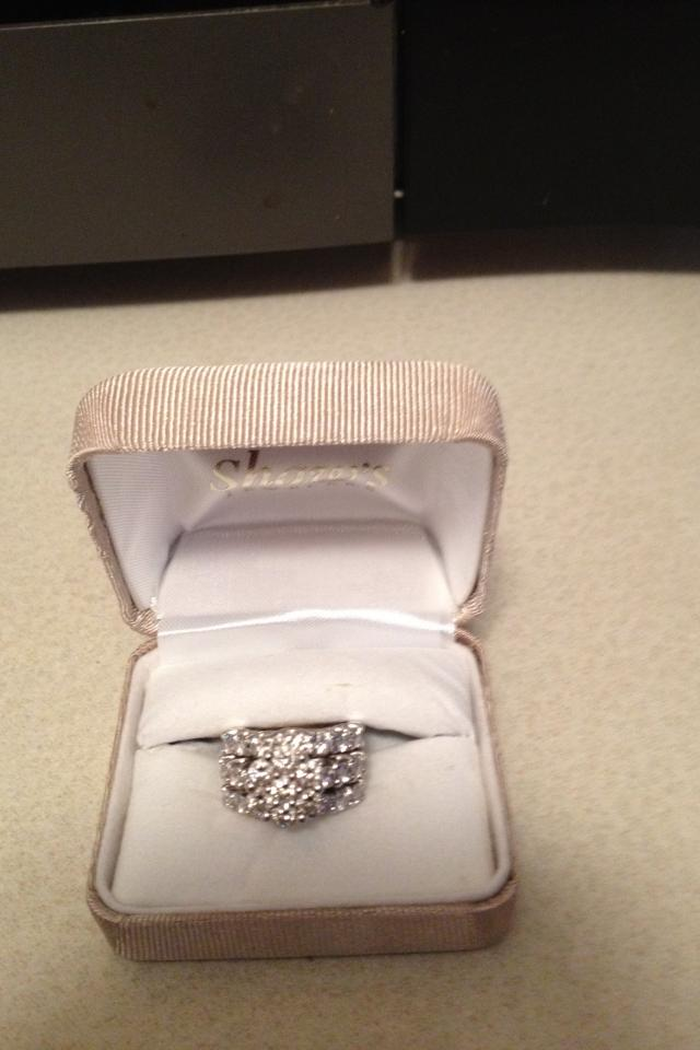 Ladies Wedding Ring For Sale Photo
