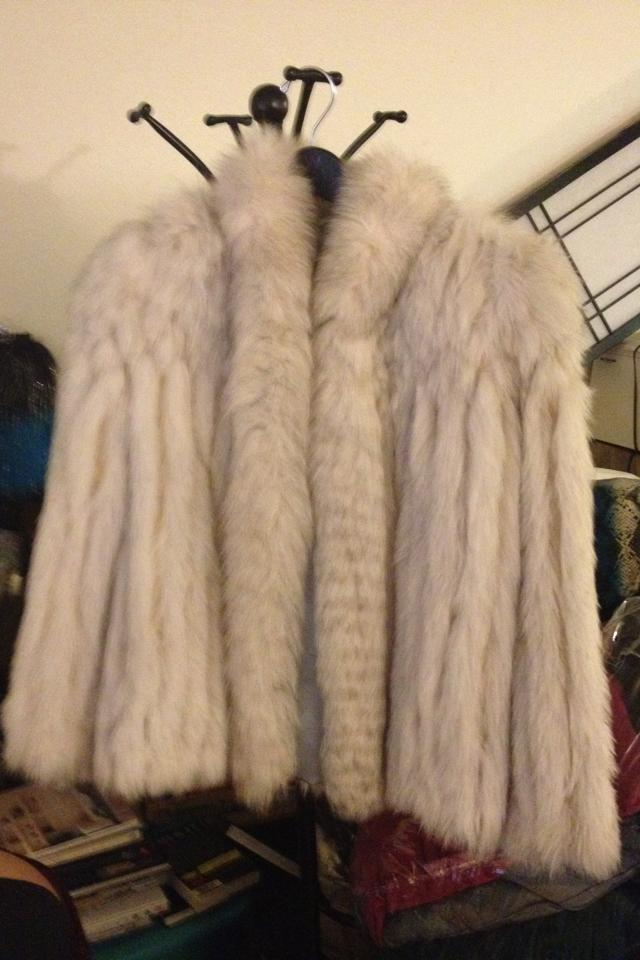 Snow Fox Fur Coat Large Photo