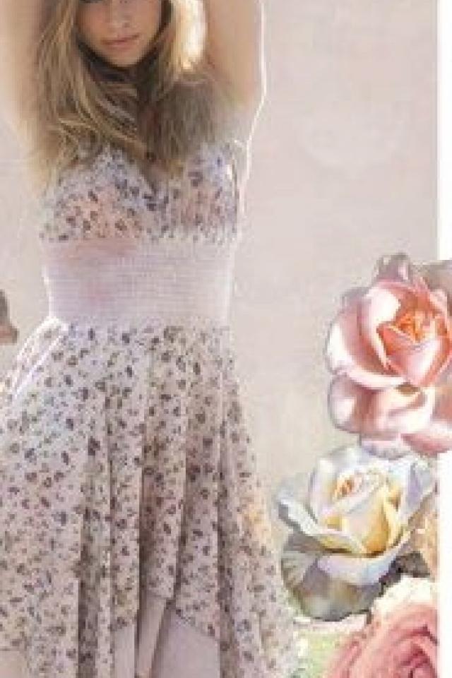 Kaitlyn Floral Dress Photo