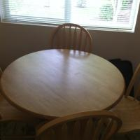 Full set dining room table & four chairs Photo