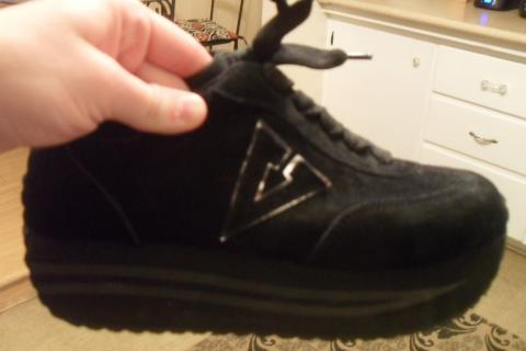 platform sneakers Photo