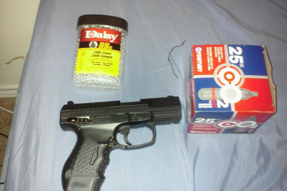 32 caliber bb gun Large Photo
