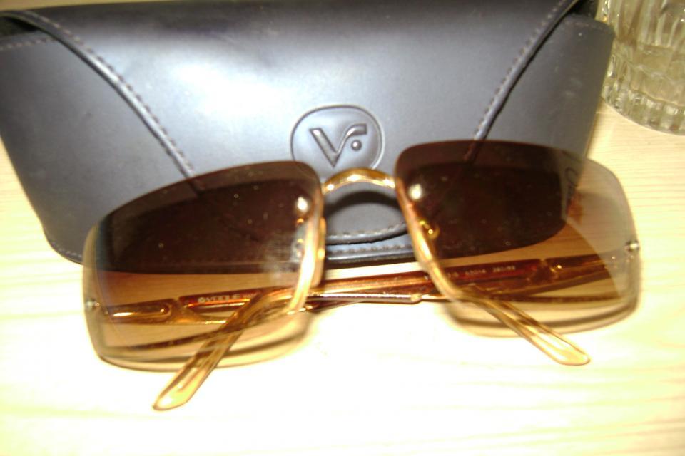Vogue Sun Glasses Large Photo